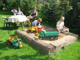 Pískoviště na zahradě penzionu